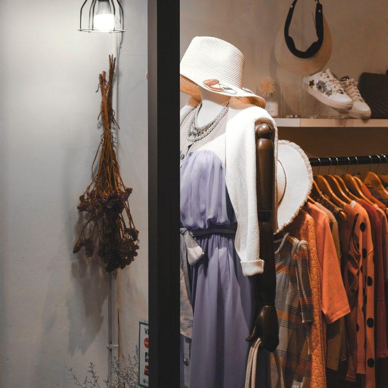 vitrine de boutique entreprises professionnels, formations coaching en image