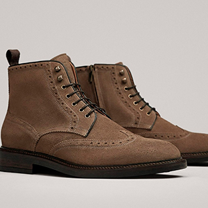 Chaussures marrons pour homme.