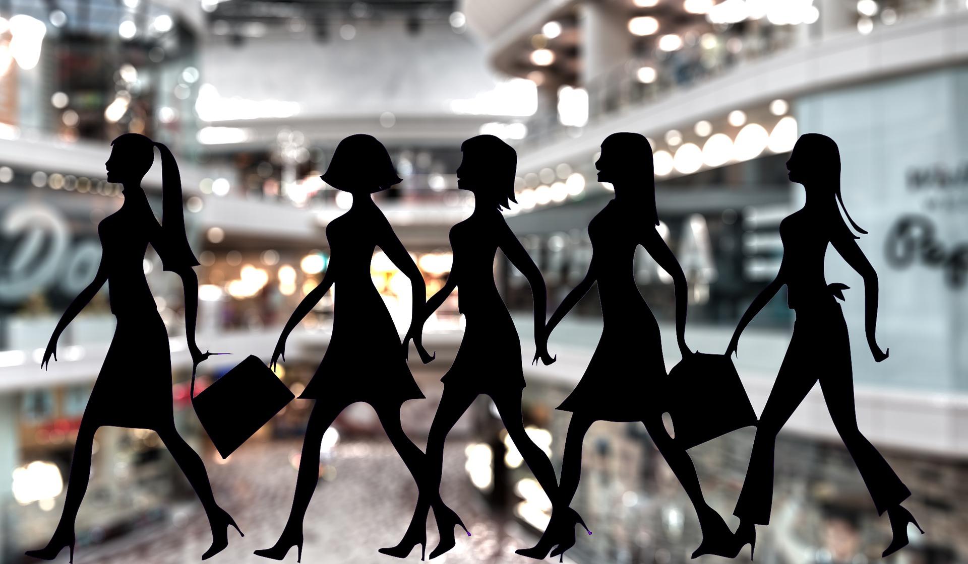 silhouettes dans centre commercial